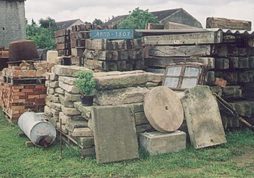 Lager für alte Baumaterialien