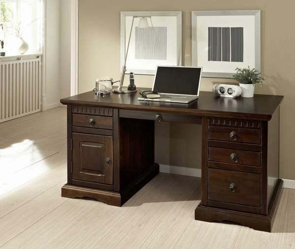 Schreibtisch holz dunkel  Rustikaler Schreibtisch aus Holz verschönert jedes Home-Office ...