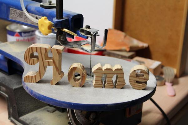 diy holzbuchstaben mit dekupiers ge selbst herstellen blog an na haus und gartenblog. Black Bedroom Furniture Sets. Home Design Ideas