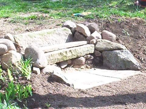 Diy steinbank aus alten baumaterialien selbst bauen blog an na haus und gartenblog - Gartenbank aus stein ...