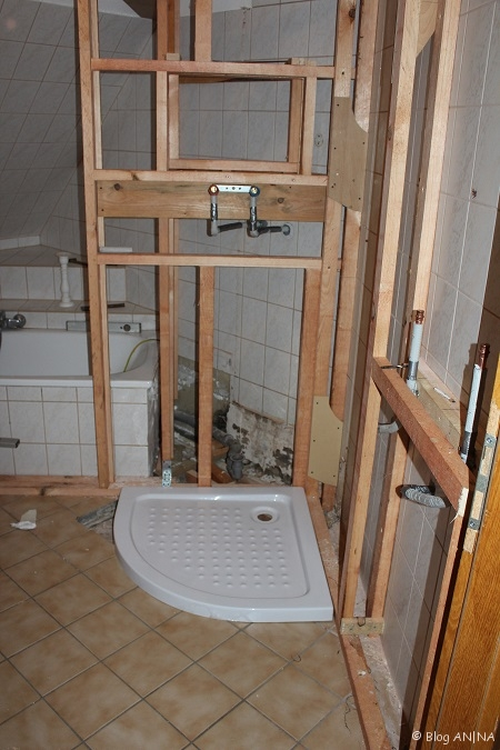mal wieder was eigenes ein bad verwandelt sich 1 blog an na haus und gartenblog. Black Bedroom Furniture Sets. Home Design Ideas