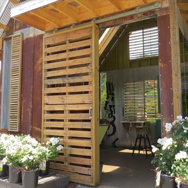 Schiebetür gartenhaus selber bauen  Bauidee: Schiebetüren als Gestaltungselemente