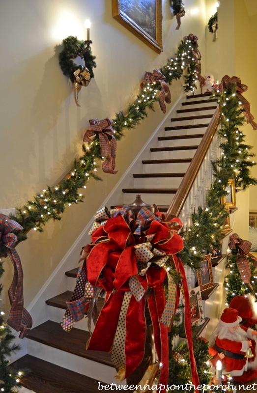 die besondere weihnachtsdekoration � girlanden an treppen