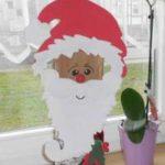 Weihnachtsmann im Fenster