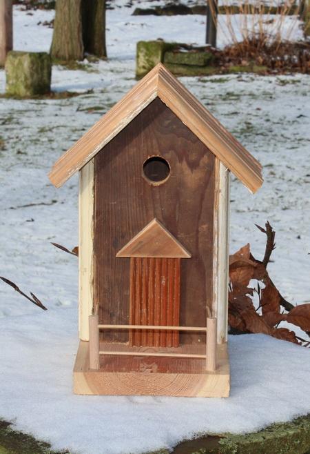 Rustikales Vogelhaus
