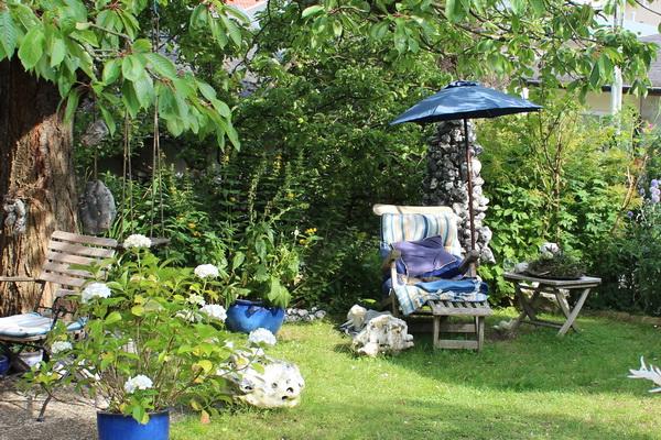 Ruheplatz in einem kleinem Garten