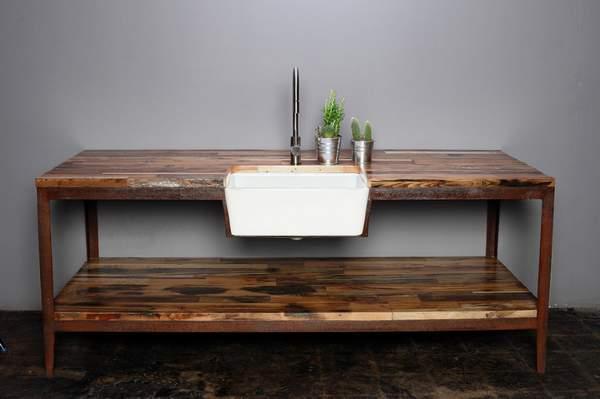 Spühltisch aus Altholz