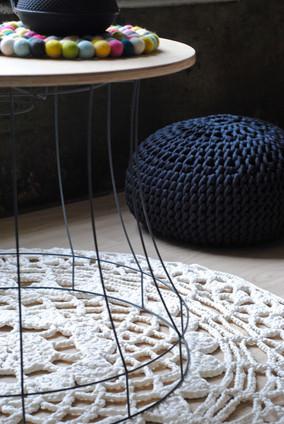 Tisch aus Lampenschirmgestell