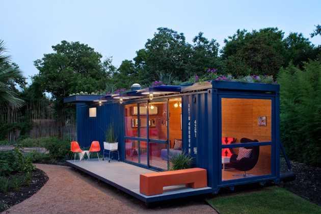 Gästehaus aus Überseecontainer gebaut