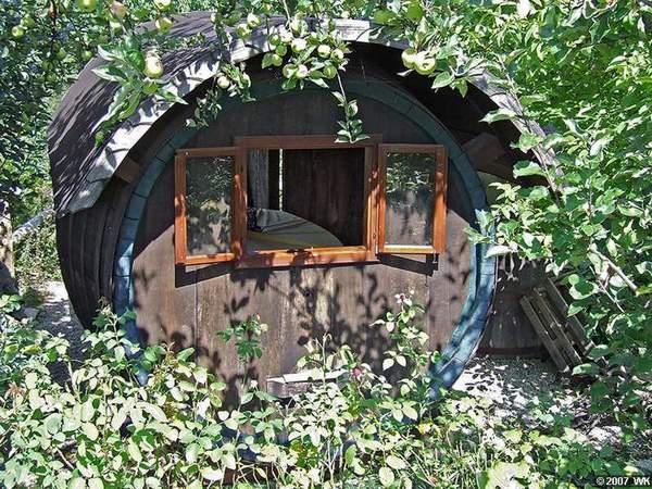 Fasshaus im Garten - Foto Wolfgang Krieger, Wien