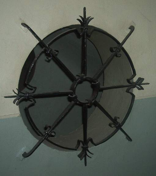 Eisengitter für Rundfenster