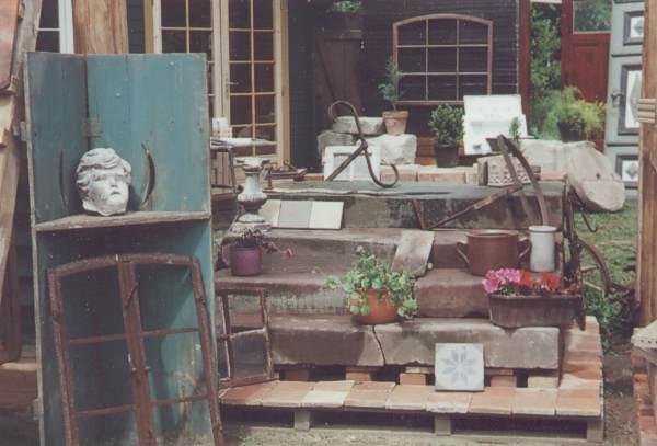 Lager alte Baumaterialien
