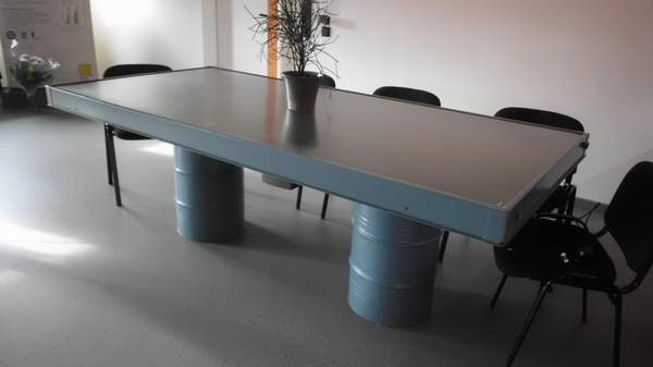 Konferenztisch aus Solarelement