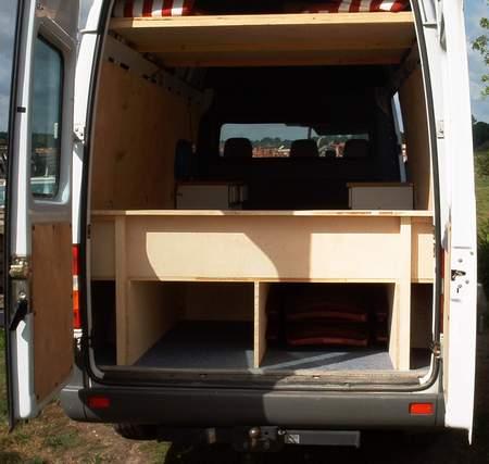 bauidee schlafen im sprinter blog an na haus und gartenblog. Black Bedroom Furniture Sets. Home Design Ideas