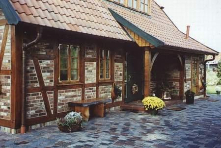 Neues Fachwerkhaus mit alten Baustoffen