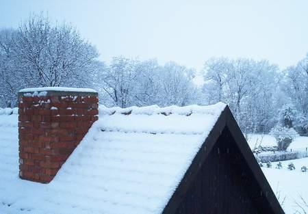 Verschneites Backhaus