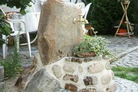 DIY Feldsteinbrunnen