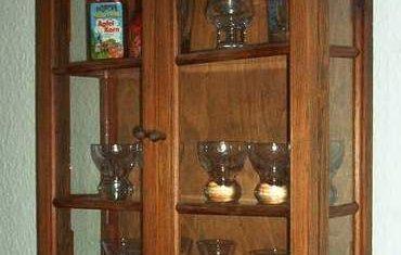 Glasschränkchen