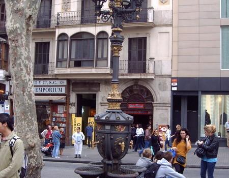 Barcelona mit Springbrunnen