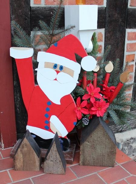 Advents- und Weihnachtsdekoration an der Haustür