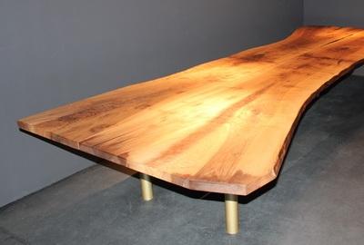 Individueller Holztisch