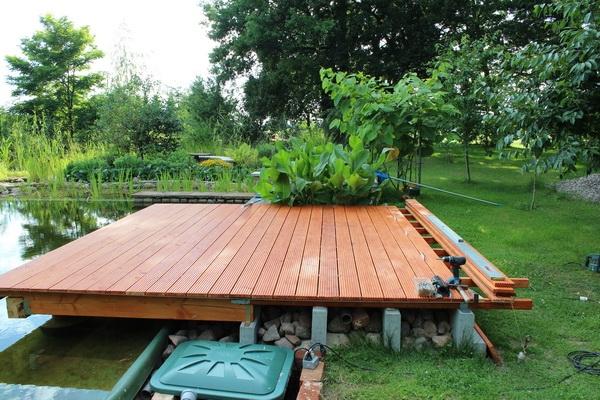 Holzdeck - fast fertig