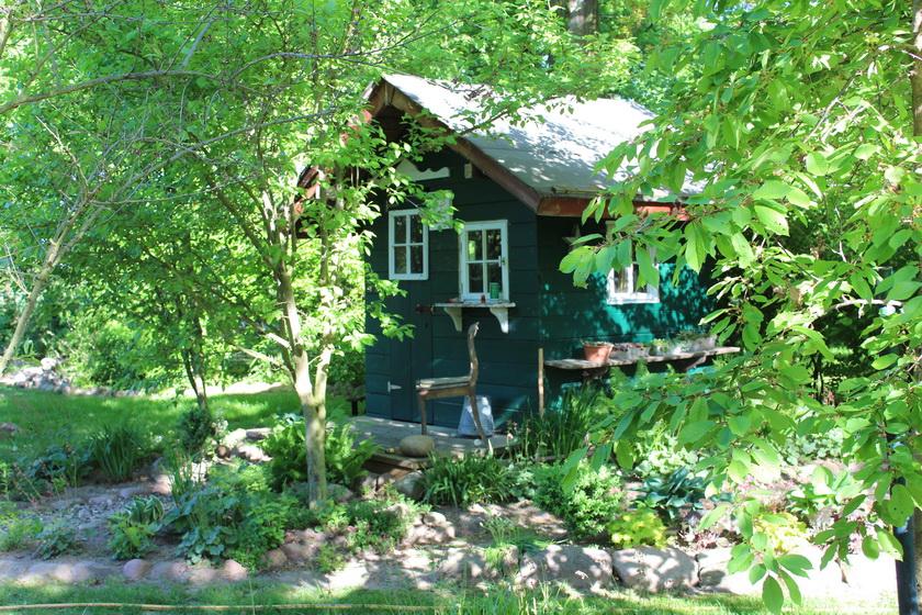 Gartenhaus/Teichhaus im Frühjahr