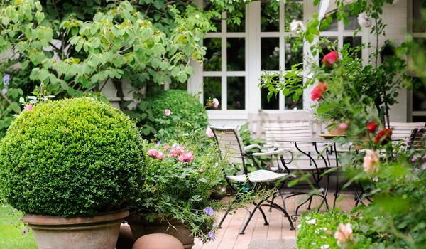 Terrasse vor dem Haus