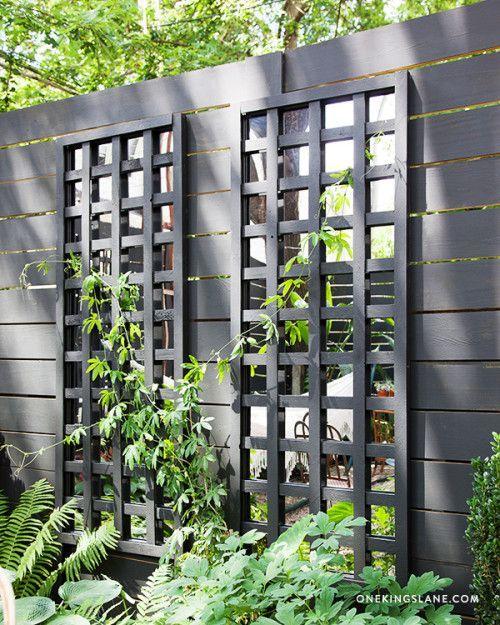 DIY Holzspalier mit Spiegelscheiben