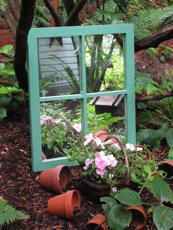 Spiegelfenster im Schattenbeet