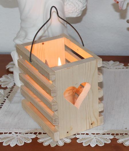Windlicht - Holzkorb Tragebügel aus Draht