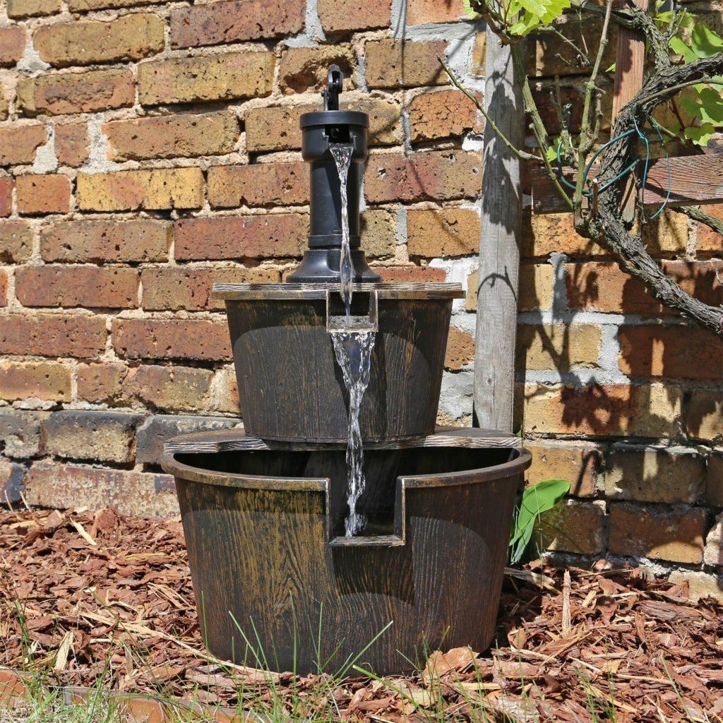 Brunnen mit Schwengelpumpe